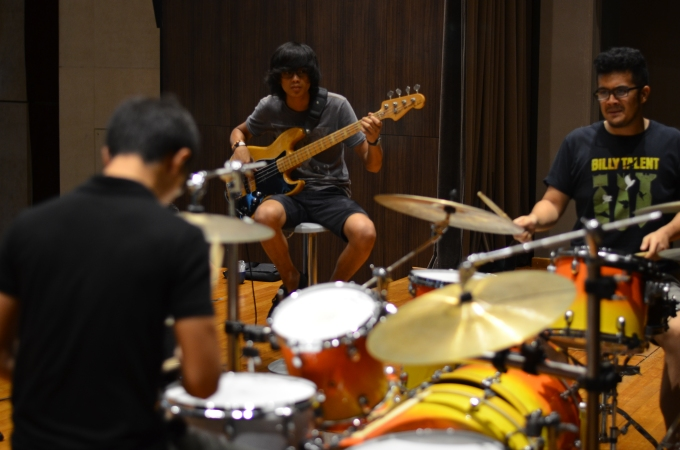 Pantheon Percussion: Endorsees shed together 131113