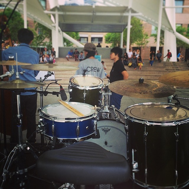 Pantheon Percussion: Super versatile Aluminium snare jazzing up the Esplanade tonight!